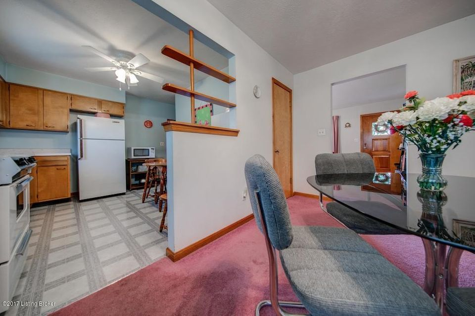 Additional photo for property listing at 6603 Gabriel Drive 6603 Gabriel Drive Louisville, Kentucky 40258 United States