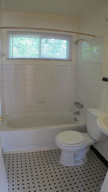Additional photo for property listing at 4105 Delores  Louisville, Kentucky 40216 United States