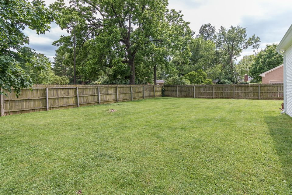 Additional photo for property listing at 105 S Whipps Mill Road  Louisville, Kentucky 40222 United States