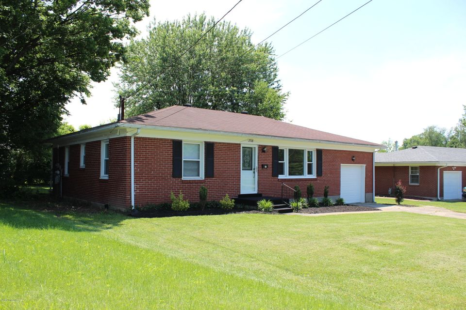 2526 Hampstead Dr, Louisville, KY 40216