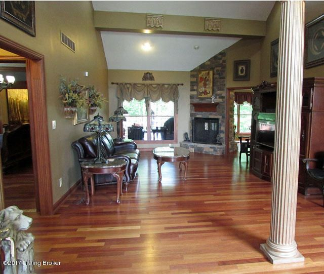 Additional photo for property listing at 698 Winding Woods Trail  Mount Washington, Kentucky 40047 United States