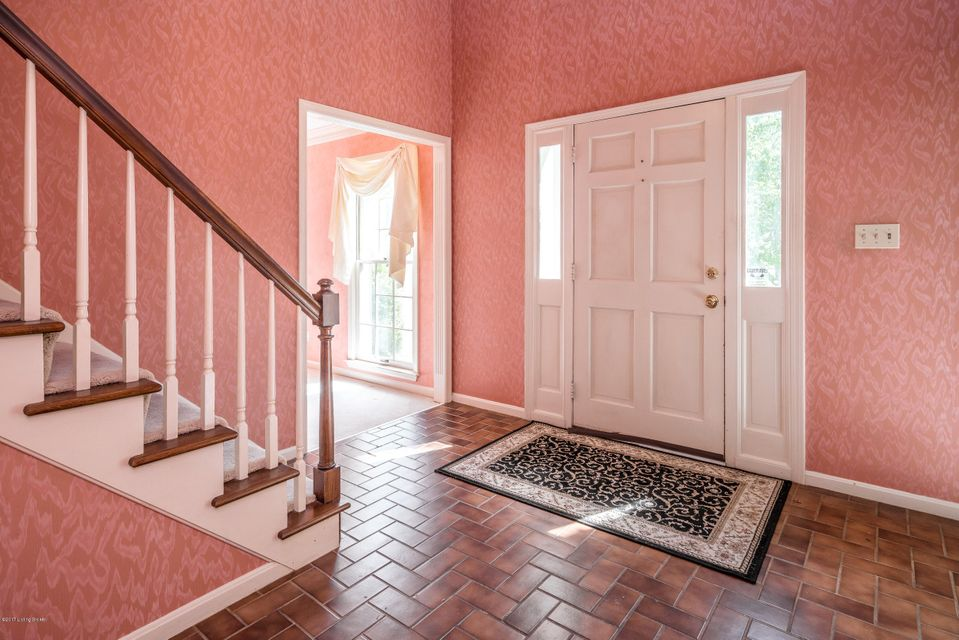 Additional photo for property listing at 2310 Fallsview Road  Louisville, Kentucky 40207 United States