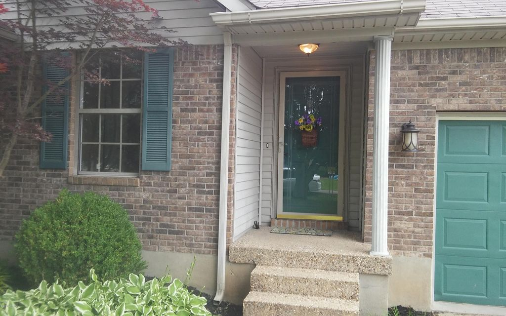 Additional photo for property listing at 254 Butterfly Lane  Louisville, Kentucky 40229 United States