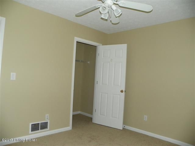 Additional photo for property listing at 724 Andra Drive  Radcliff, Kentucky 40160 United States