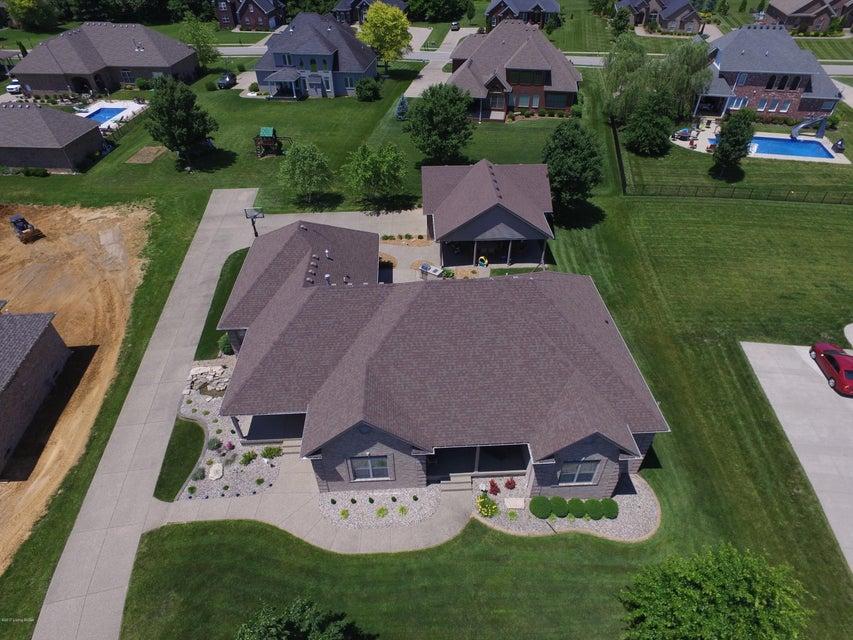 Additional photo for property listing at 501 Winding Woods Trail  Mount Washington, Kentucky 40047 United States