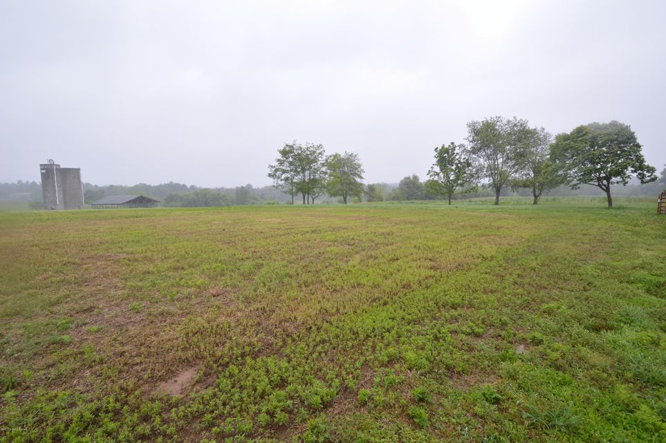 Additional photo for property listing at 155 Oakwood Way  Shepherdsville, Kentucky 40165 United States