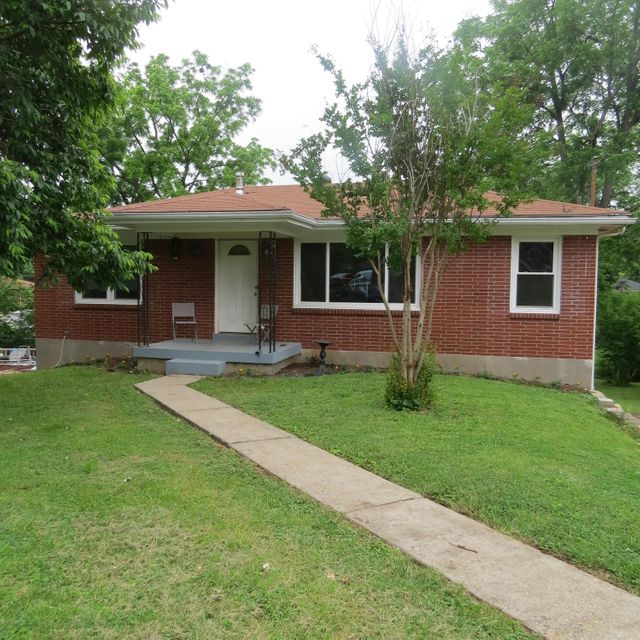 Single Family Home for Sale at 6913 Rock Hollow Drive Louisville, Kentucky 40219 United States