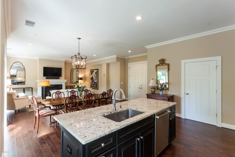 Additional photo for property listing at 1409 Mockingbird Terrace Drive  Louisville, Kentucky 40207 United States