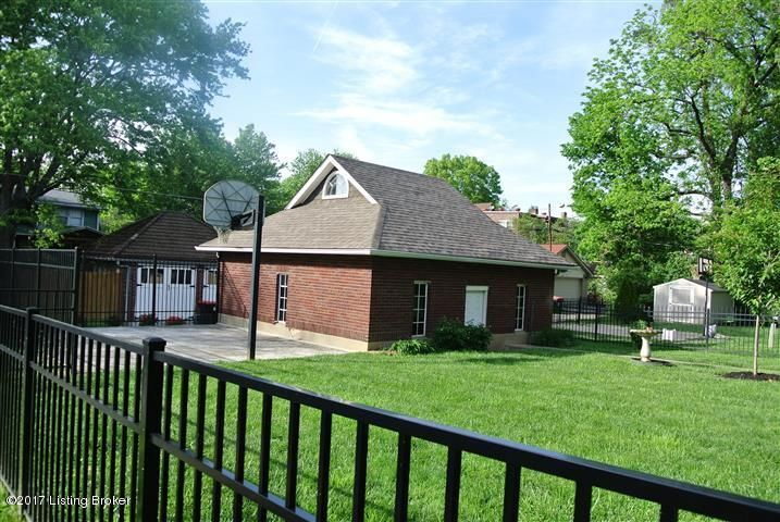 Additional photo for property listing at 2301 Bonnycastle Avenue  Louisville, Kentucky 40205 United States