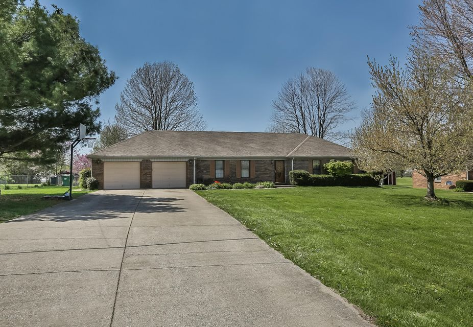 Additional photo for property listing at 620 Forbes Drive  Shelbyville, Kentucky 40065 United States
