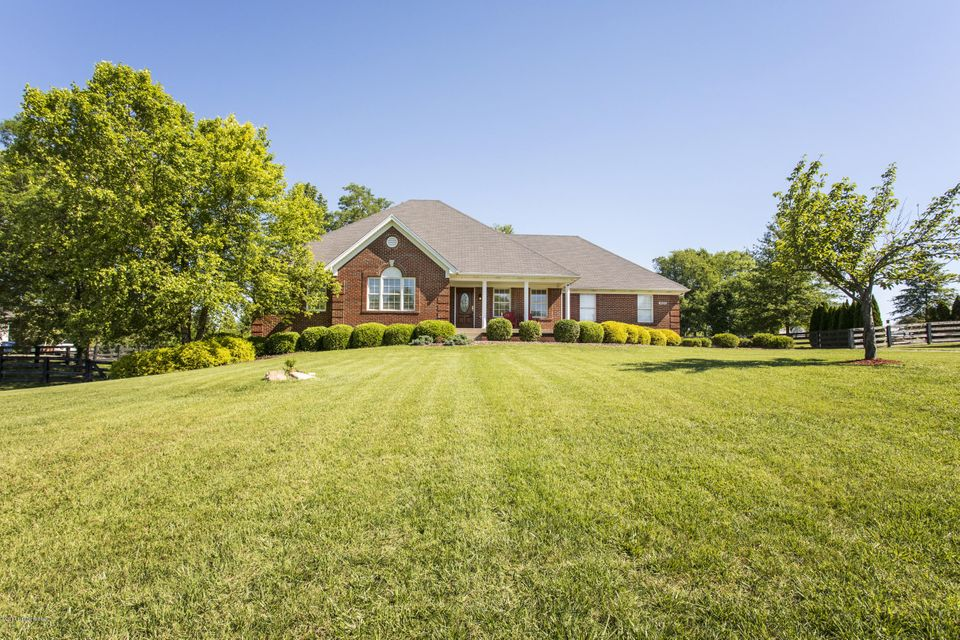 Single Family Home for Sale at 4005 Limerick Cove Buckner, Kentucky 40010 United States
