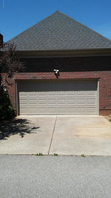 Additional photo for property listing at 4705 Hollis Lane  Louisville, Kentucky 40241 United States
