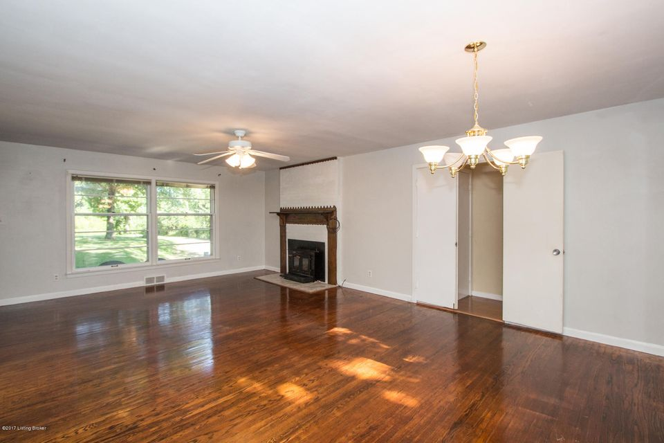 Additional photo for property listing at 5901 S Watterson Trail  Louisville, Kentucky 40291 United States