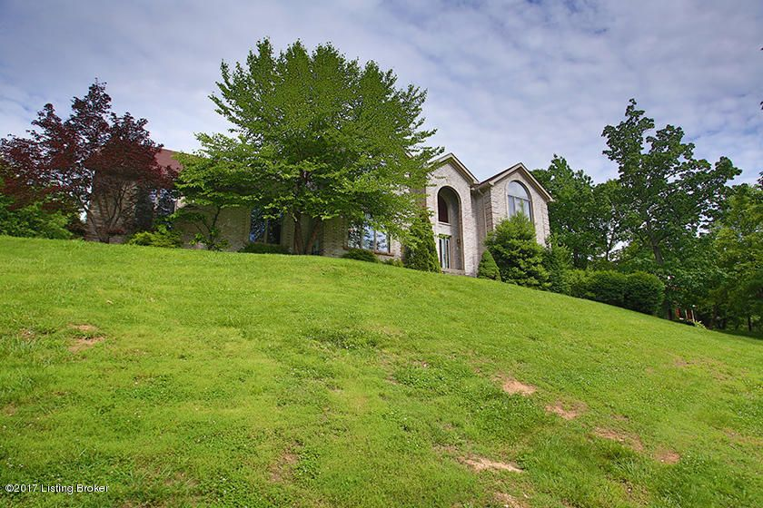 Additional photo for property listing at 7809 Riva Ridge Pt  Louisville, Kentucky 40214 United States