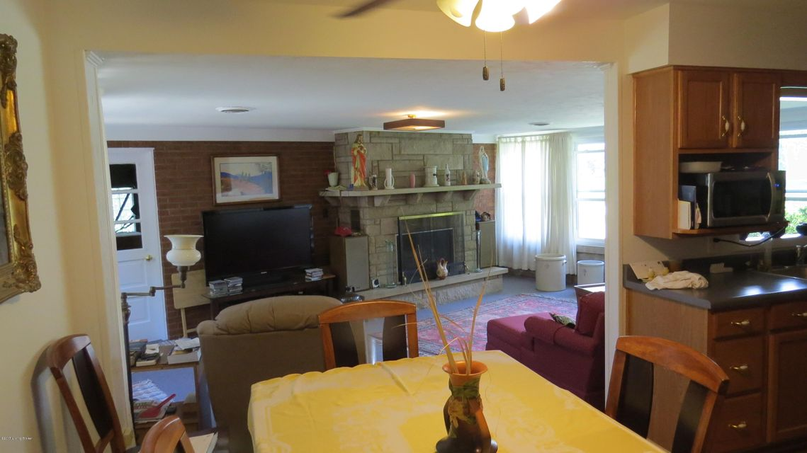 Additional photo for property listing at 2140 East Lane  Louisville, Kentucky 40216 United States