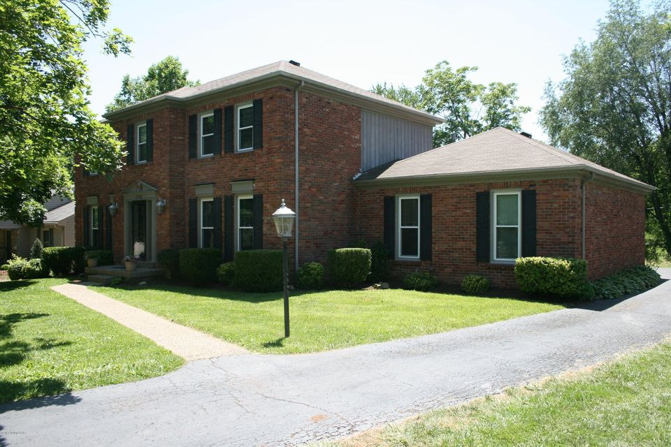 Single Family Home for Sale at 206 Stillwood Court Louisville, Kentucky 40223 United States