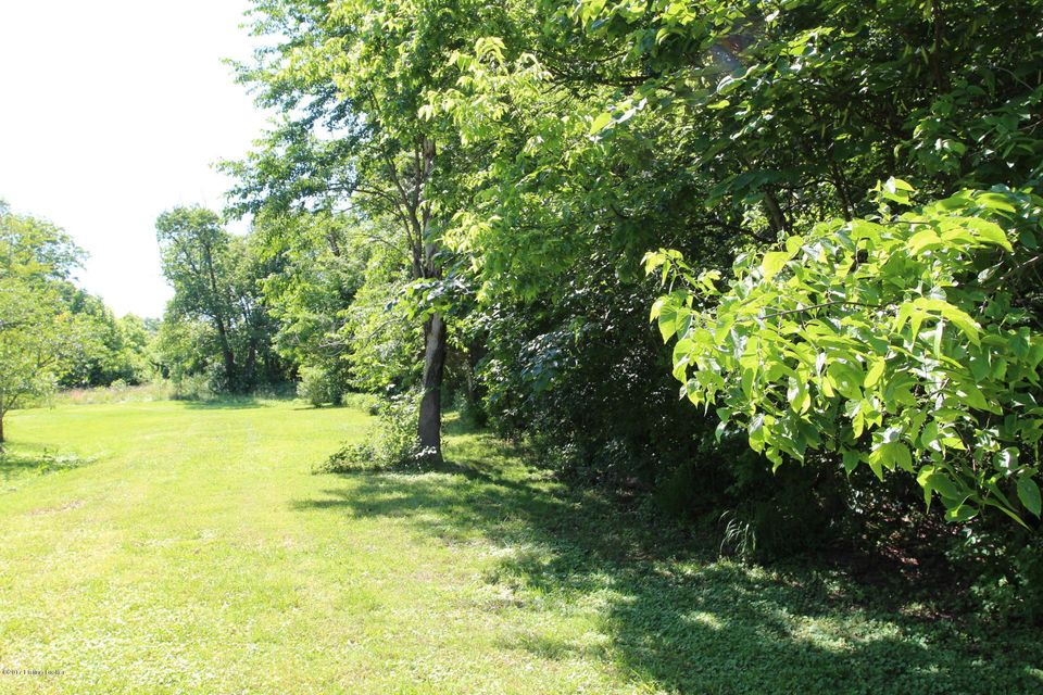 Additional photo for property listing at 8700 Old Bardstown 8700 Old Bardstown Louisville, Kentucky 40291 United States