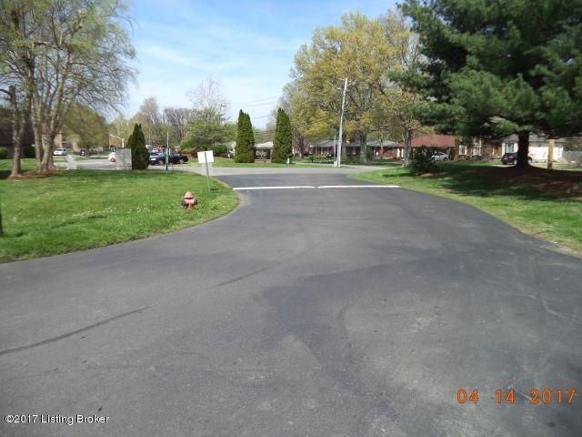 Additional photo for property listing at 3500 Lodge Lane  Louisville, Kentucky 40218 United States