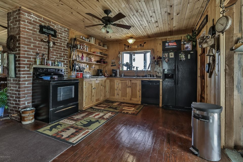 Additional photo for property listing at 1590 Martin Nethery Lane  Waddy, Kentucky 40076 United States