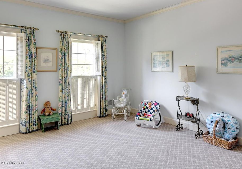 Additional photo for property listing at 16 Brownsboro Hill Road 16 Brownsboro Hill Road Louisville, Kentucky 40207 United States