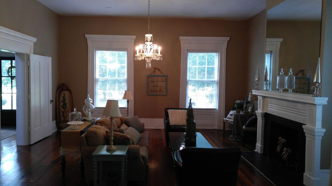 Additional photo for property listing at 1003 N Third Street  Bardstown, Kentucky 40004 United States