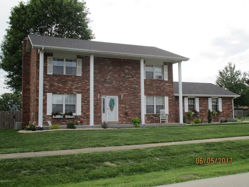 Single Family Home for Sale at 1708 Nightingale Drive Elizabethtown, Kentucky 42701 United States