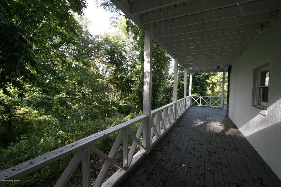 Additional photo for property listing at 4901 Avish Lane 4901 Avish Lane Louisville, Kentucky 40059 United States