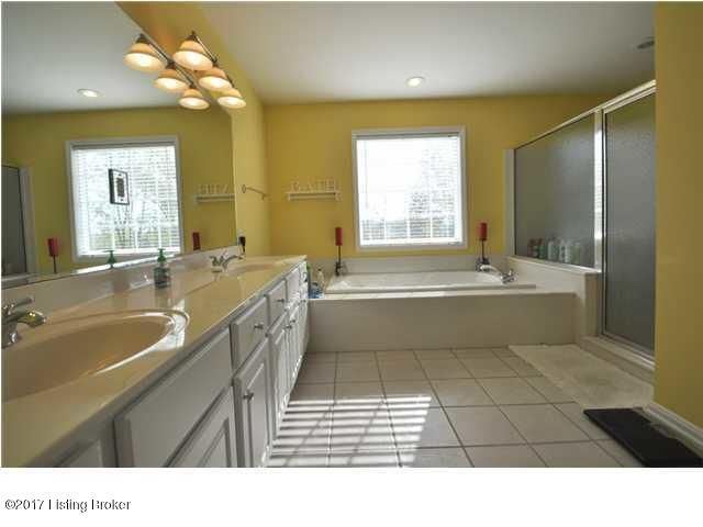 Additional photo for property listing at 83 Persimmon Ridge Drive  Louisville, Kentucky 40245 United States