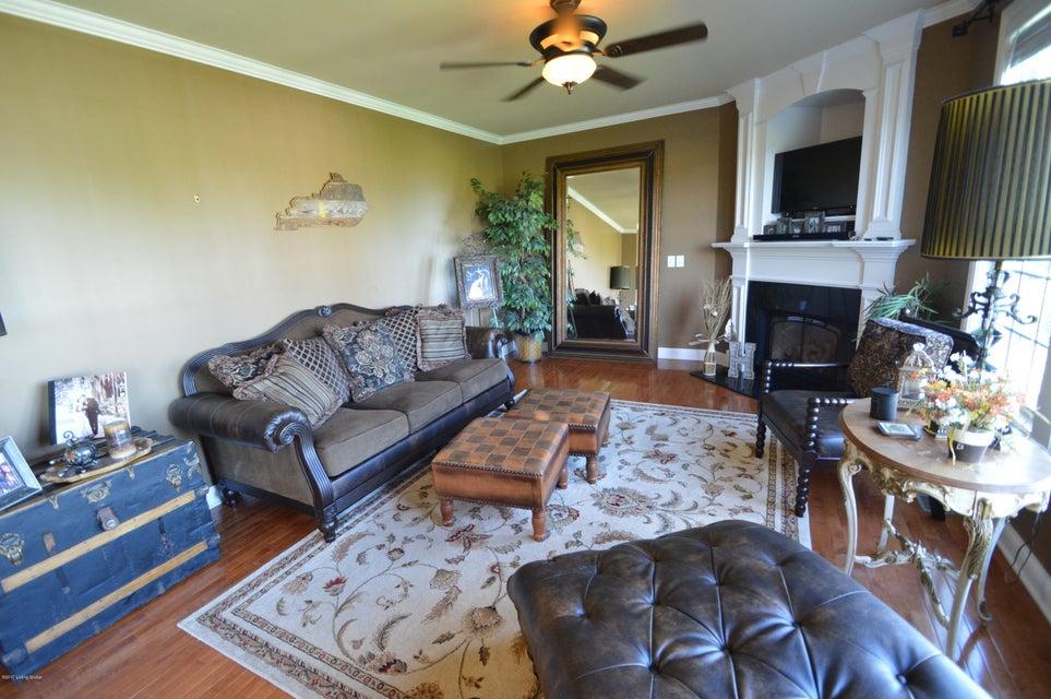 Additional photo for property listing at 134 Grand Oak Blvd  Shepherdsville, Kentucky 40165 United States