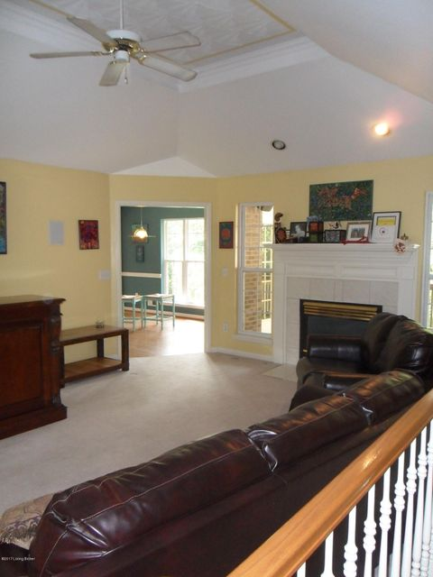 Additional photo for property listing at 8317 Stillmeadow Drive 8317 Stillmeadow Drive Louisville, Kentucky 40299 United States