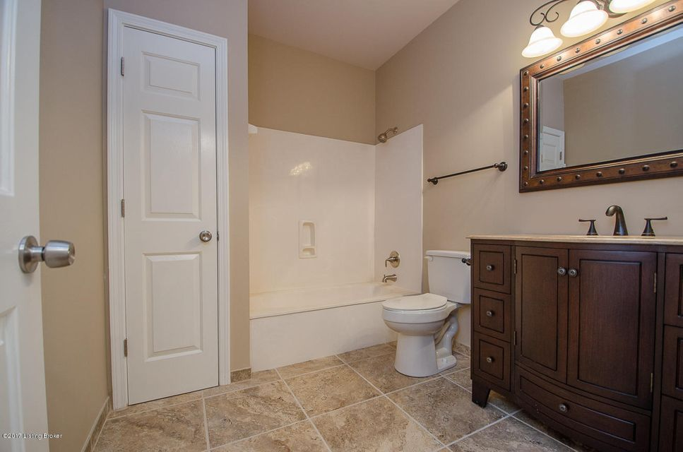 Additional photo for property listing at 3720 Hurstbourne Ridge Blvd  Louisville, Kentucky 40299 United States