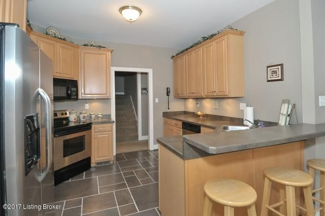 Additional photo for property listing at 3303 Deer Hollow Place  Louisville, Kentucky 40214 United States