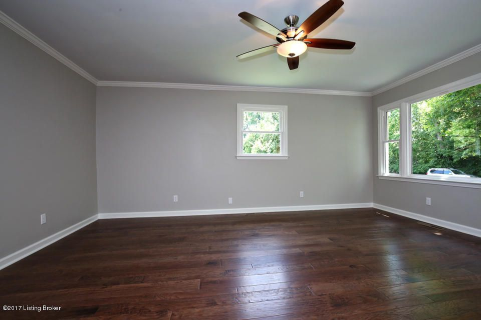 Additional photo for property listing at 2009 Lakeland Road  Louisville, Kentucky 40223 United States