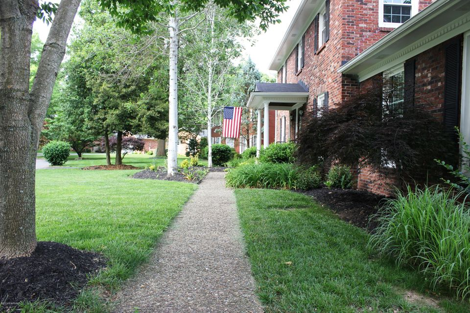 Additional photo for property listing at 304 Buckingham Terrace  Louisville, Kentucky 40222 United States