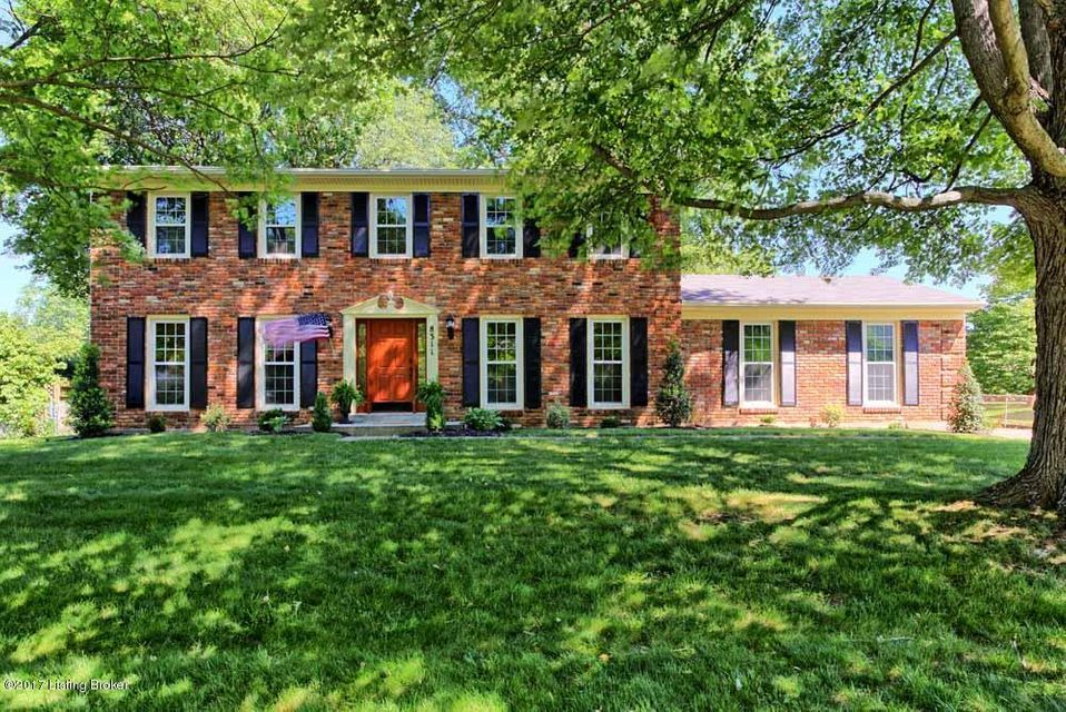Single Family Home for Sale at 8311 Easton Lane Louisville, Kentucky 40242 United States