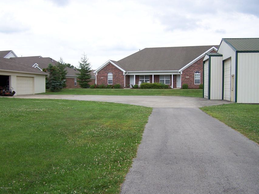 Additional photo for property listing at 4801 Mud Lane 4801 Mud Lane Louisville, Kentucky 40229 United States