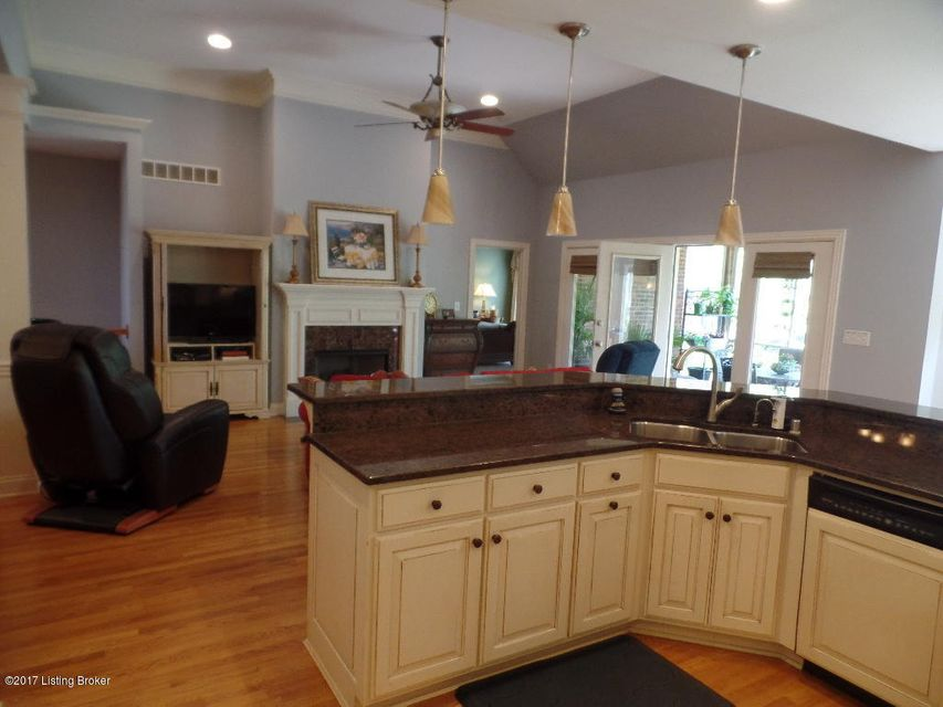Additional photo for property listing at 3221 Ridge Brook Circle  Louisville, Kentucky 40245 United States