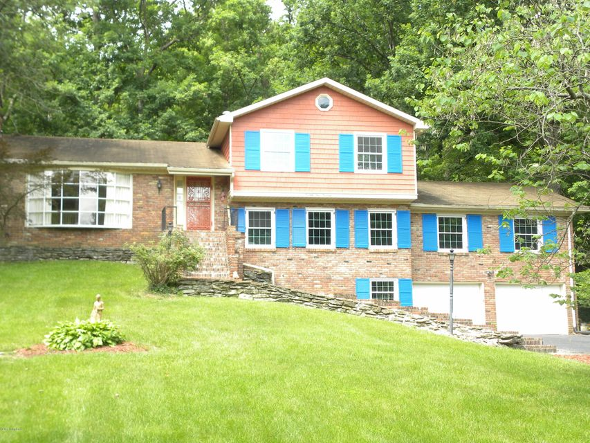 Additional photo for property listing at 7414 Manslick Road 7414 Manslick Road Louisville, Kentucky 40214 United States