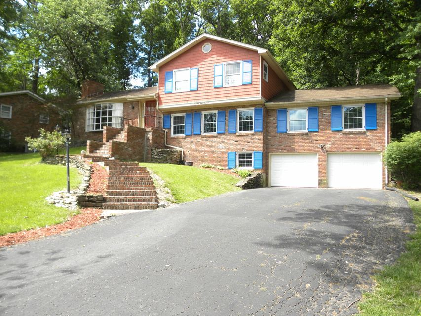 Single Family Home for Sale at 7414 Manslick Road 7414 Manslick Road Louisville, Kentucky 40214 United States
