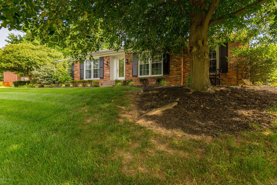 Additional photo for property listing at 9104 Catania Drive  Louisville, Kentucky 40299 United States