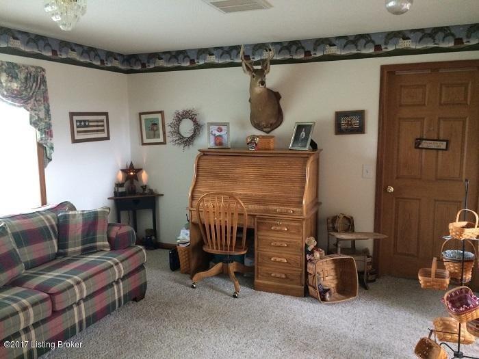 Additional photo for property listing at 4 Buchanan Lane  Milton, Kentucky 40045 United States