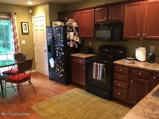 Additional photo for property listing at 6614 Renate Road  Louisville, Kentucky 40291 United States