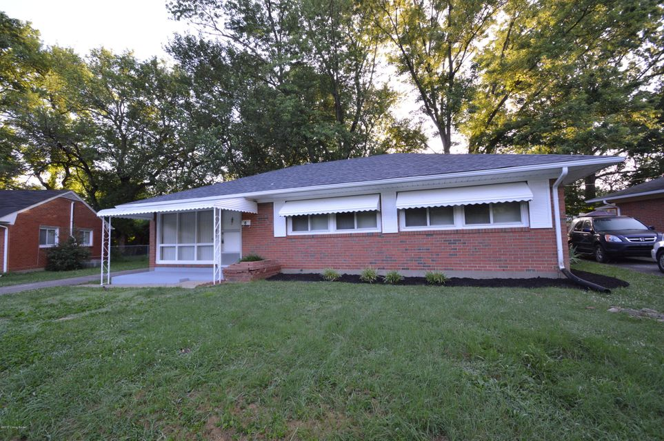 Single Family Home for Sale at 3111 Aires Court Louisville, Kentucky 40220 United States