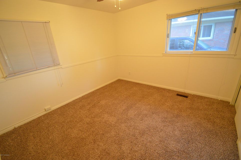 Additional photo for property listing at 3111 Aires Court  Louisville, Kentucky 40220 United States