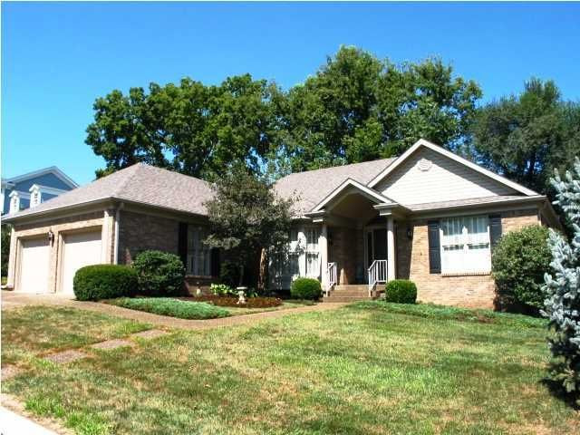 Additional photo for property listing at 1026 Westgate Place  Louisville, Kentucky 40206 United States