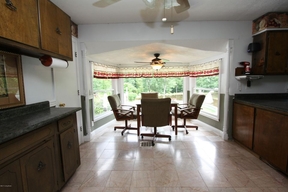 Additional photo for property listing at 425 Millers Drive  Shepherdsville, Kentucky 40165 United States