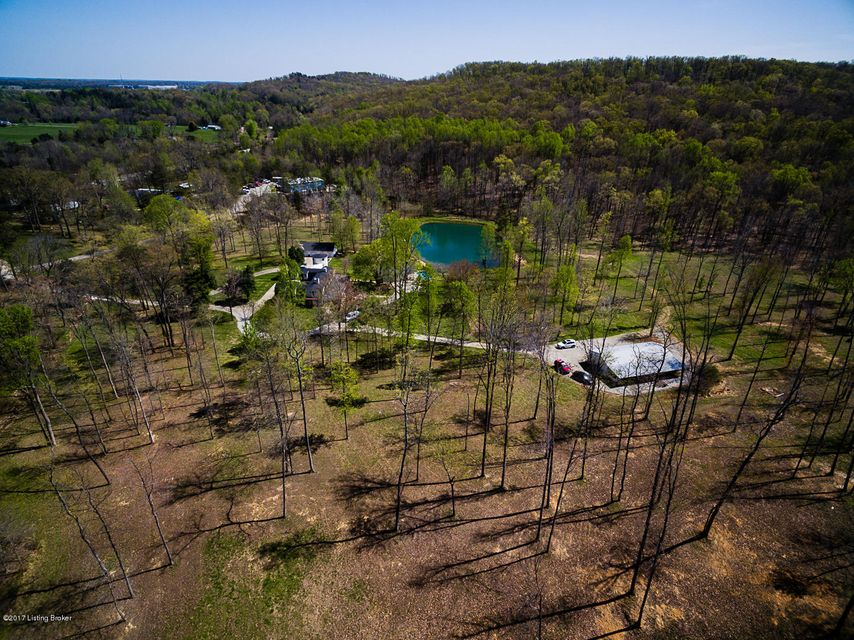 Additional photo for property listing at 251 Hillock Drive  Coxs Creek, Kentucky 40013 United States