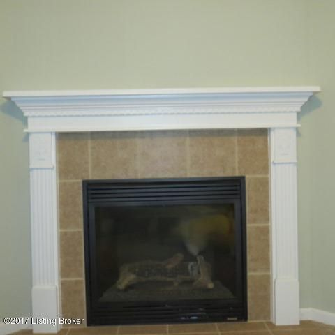 Additional photo for property listing at 7805 Kenbrook Place 7805 Kenbrook Place Louisville, Kentucky 40258 United States