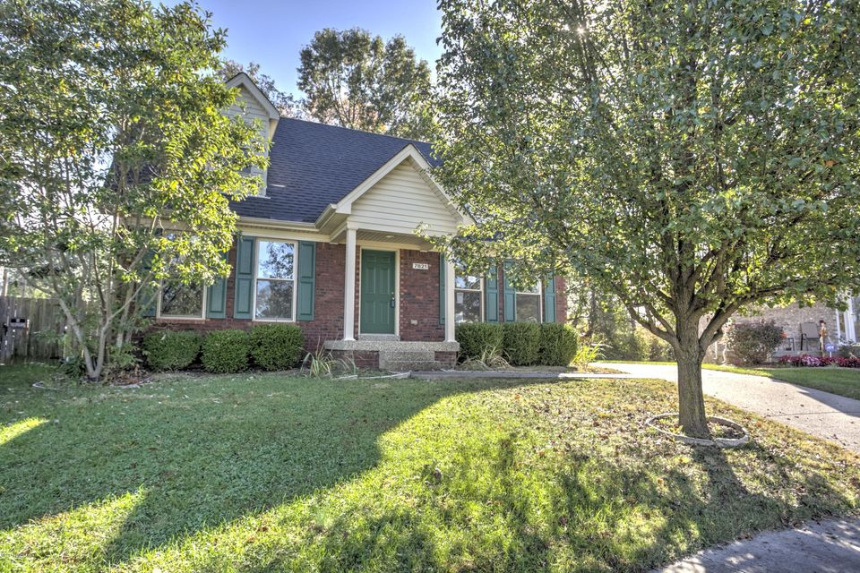 Single Family Home for Sale at 7821 Alyssum Drive Louisville, Kentucky 40258 United States