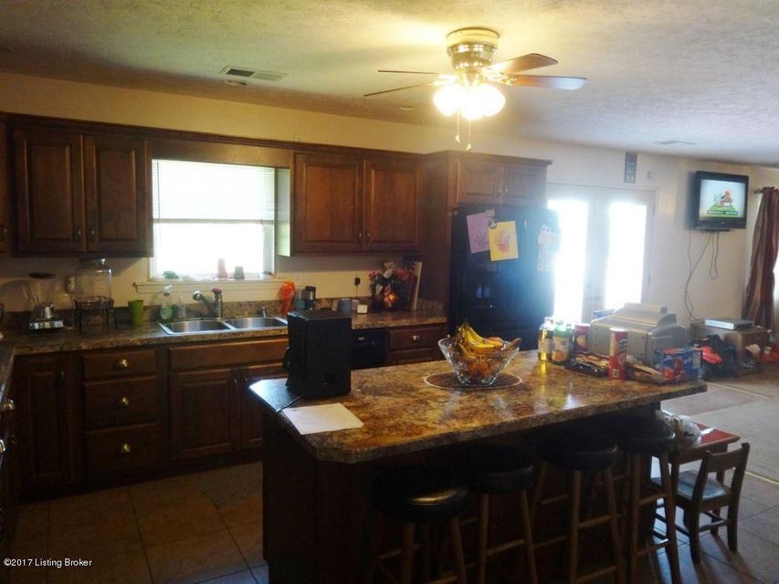 Additional photo for property listing at 7301 W Orell Road  Louisville, Kentucky 40272 United States